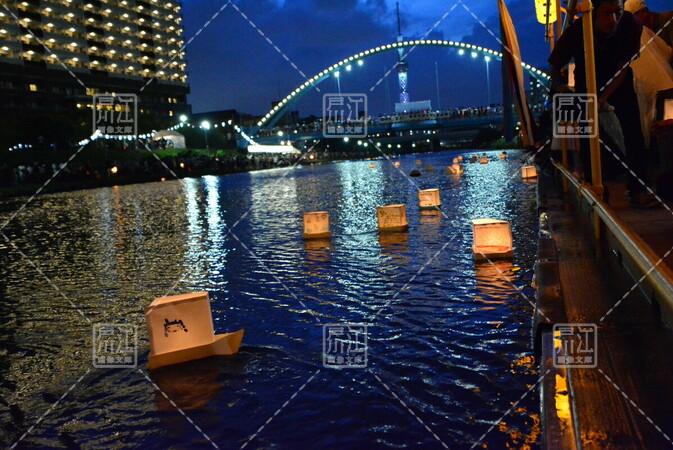 第21回旧中川東京大空襲犠牲者慰霊灯籠流し